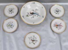 Schüssel und fünf kleine SchalenGoldrand, Spiegel mit bunten Vögeln bemalt, Dm 17 cm bzw. 10 cm,