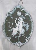 ReliefbildBiskuitporzellan, zwei tanzende Mädchen, mit Blütenranken und Insekten, im Rokoko-