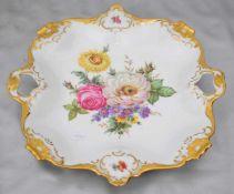 Platterechteckig, breiter, mit Barock-Ornamenten verzierter Goldrand, Spiegel mit bunter
