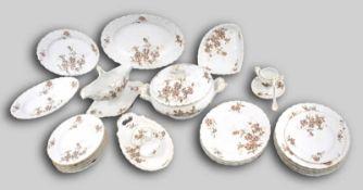 Konvolut Speiseservice22 Teile, Goldrand, Rand und Spiegel mit bunter Blumenverzierung, rückseitig