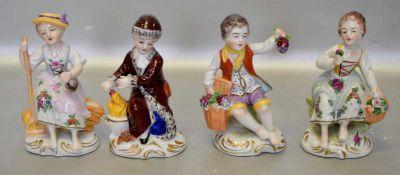 Die vier Jahreszeitenvier Figuren, auf Rocaillensockel sitzend, bunt bemalt, H 9 cm, FM Sitzendorf