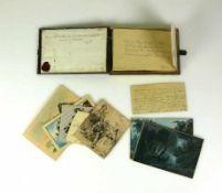 Souvenier-Etui (Mitte 19.Jh.)mit zahlreichen Schriftstücken und Zeichnungen und Aquarellen,