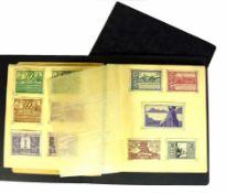 2 Alben Notgeldscheinediv. deutsche Städte; 1. WK und 1923; Stoff und Papier