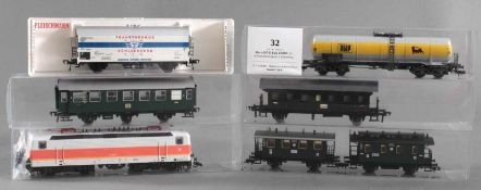 Roco H0 E-Lok 43683, 143 605-4 mit 6 Fleischmann Waggons4 Personenwaggons, 1 Kesselwagen und 1