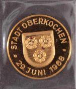 Goldmedaille Stadt Oberkochen 26. Juni 1986Eingeschweißte Medaille, Durchmesser ca. 26 mm,