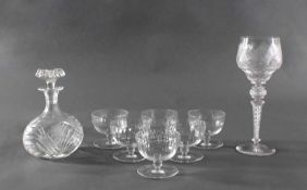 Glas Konvolut, 8 TeileTheresienthal, großes Weinglas. Farbloses Glas. Umlaufend facettiert