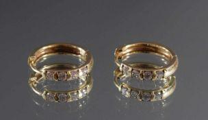 Paar Kreolen mit Zirkonia im Diamantschliff, 9 Karat GelbgoldPunziert 375, ca. D-1,5 cm, 3,5 g, 3,