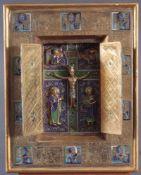 Klappaltar. KreuzigungMetall gegossen, vergoldet, ziseliert, Emailcloisonné, ca. 28 x 22 cm.