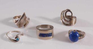 5 Silberringe3 mit Lapislazuli, RG. 53, 55, 58, 61 und 62, 24,5 g.- - -20.00 % buyer's premium on
