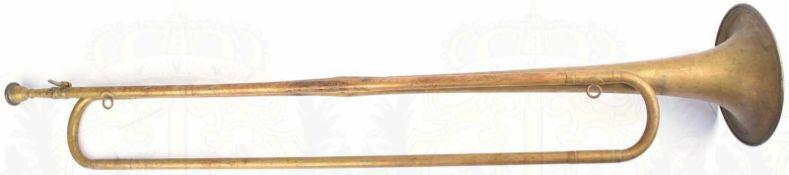 FANFARE, Tombakblech, mit Mundstück, einige Dellen, L. 78cm, 30er bis 50er Jahre