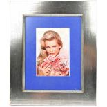 SCHIFFER, CLAUDIA, (1970), dt. Fotomodell u. Schauspielerin, Revlon-Werbefoto, m. OU, Darstellung m.