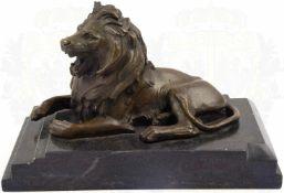 SCHREIBTISCH-DEKORATION BRÜLLENDER LÖWE, Bronzeguss, nach Antoine Louis Barye (1796-1875, 1855 Offz.