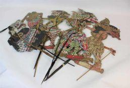 5 Wayang FigurenIndonesien oder Bali, 1.Hälfte 20.Jhdt Holz, Leder und Pappe farbig bemalt