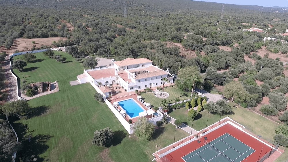 Lot 4 - A week in a Portuguese Paradise The Olive Grove Hideaway is set within 135,