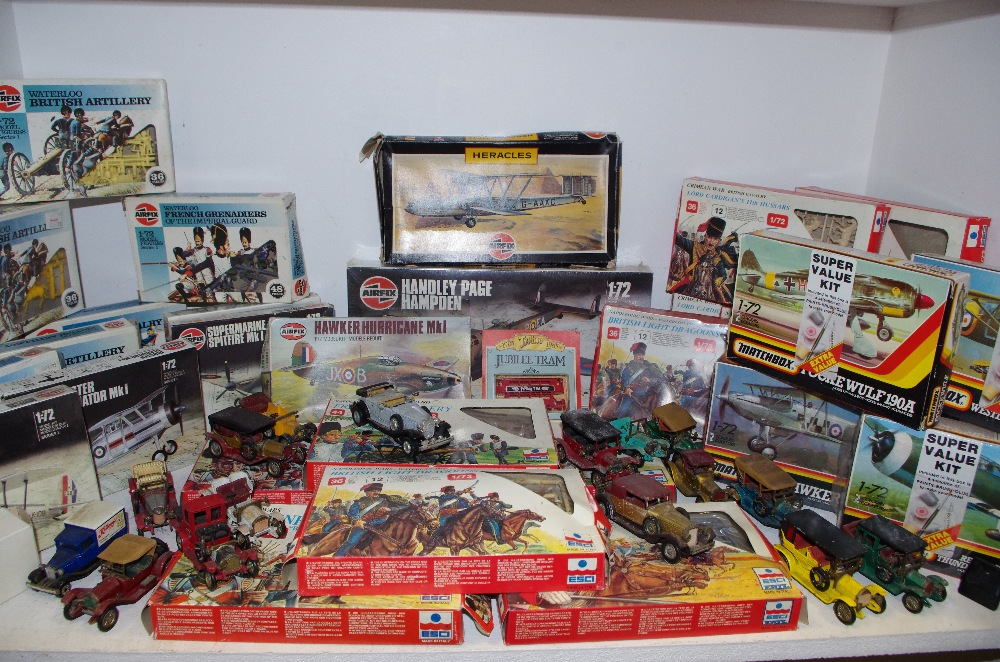 Lot 44 - Modelling interest - Airfix 1/72 boxed unmade kits including Spitfire, Hurricane, Gladiator MKII,