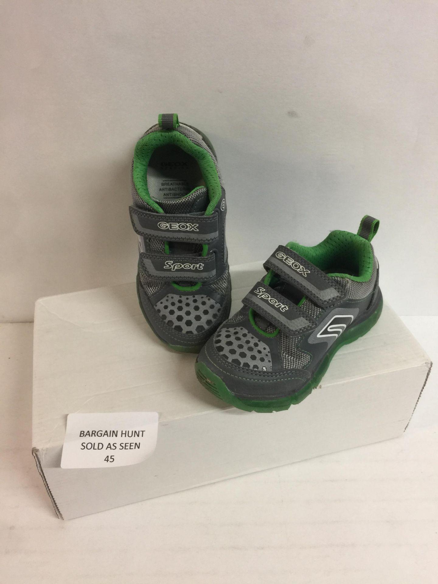 Lot 45 - Geox Boy's Shoe, 26 EU