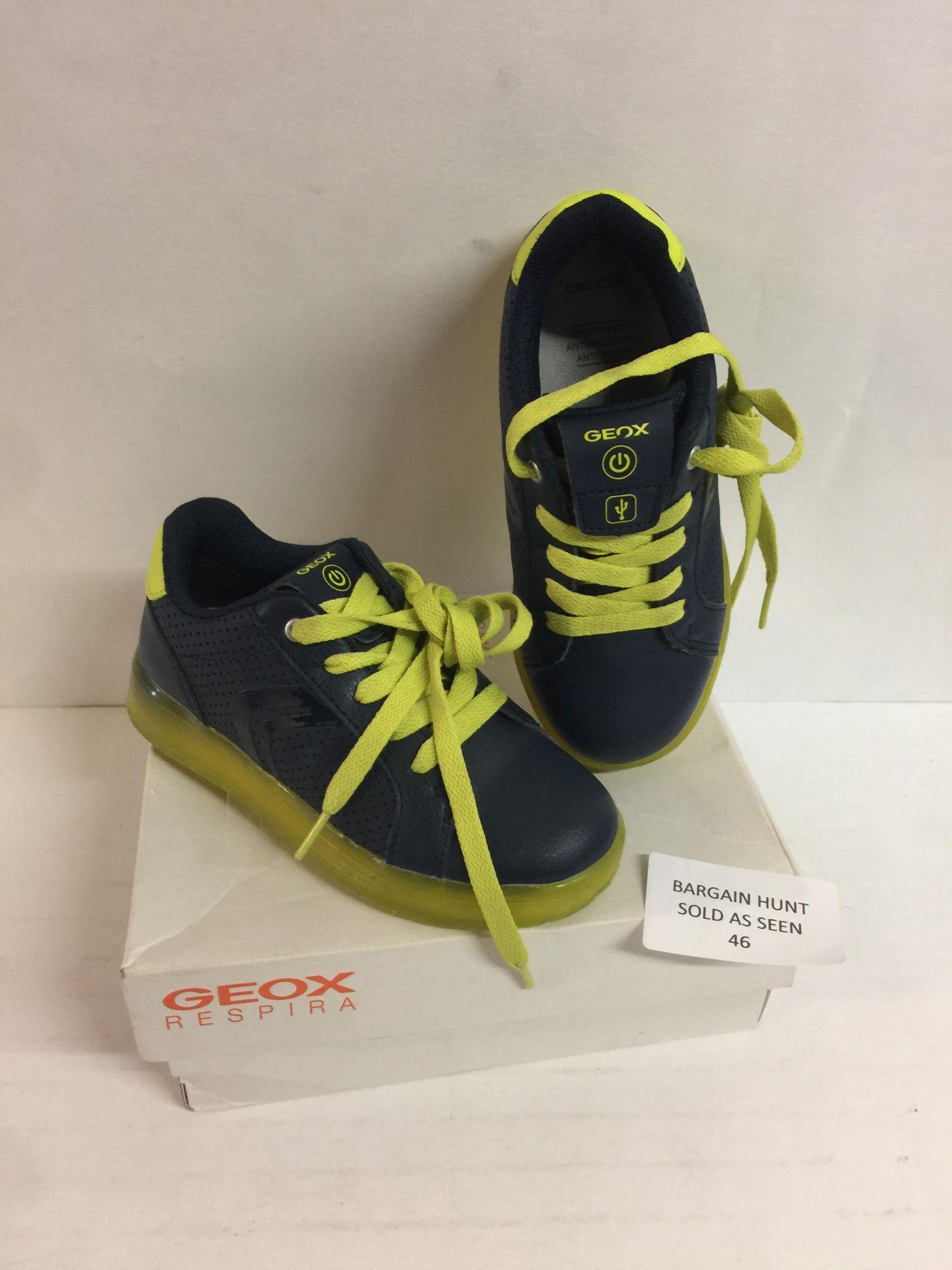 Lot 46 - Geox Boy's Shoe, 29 EU