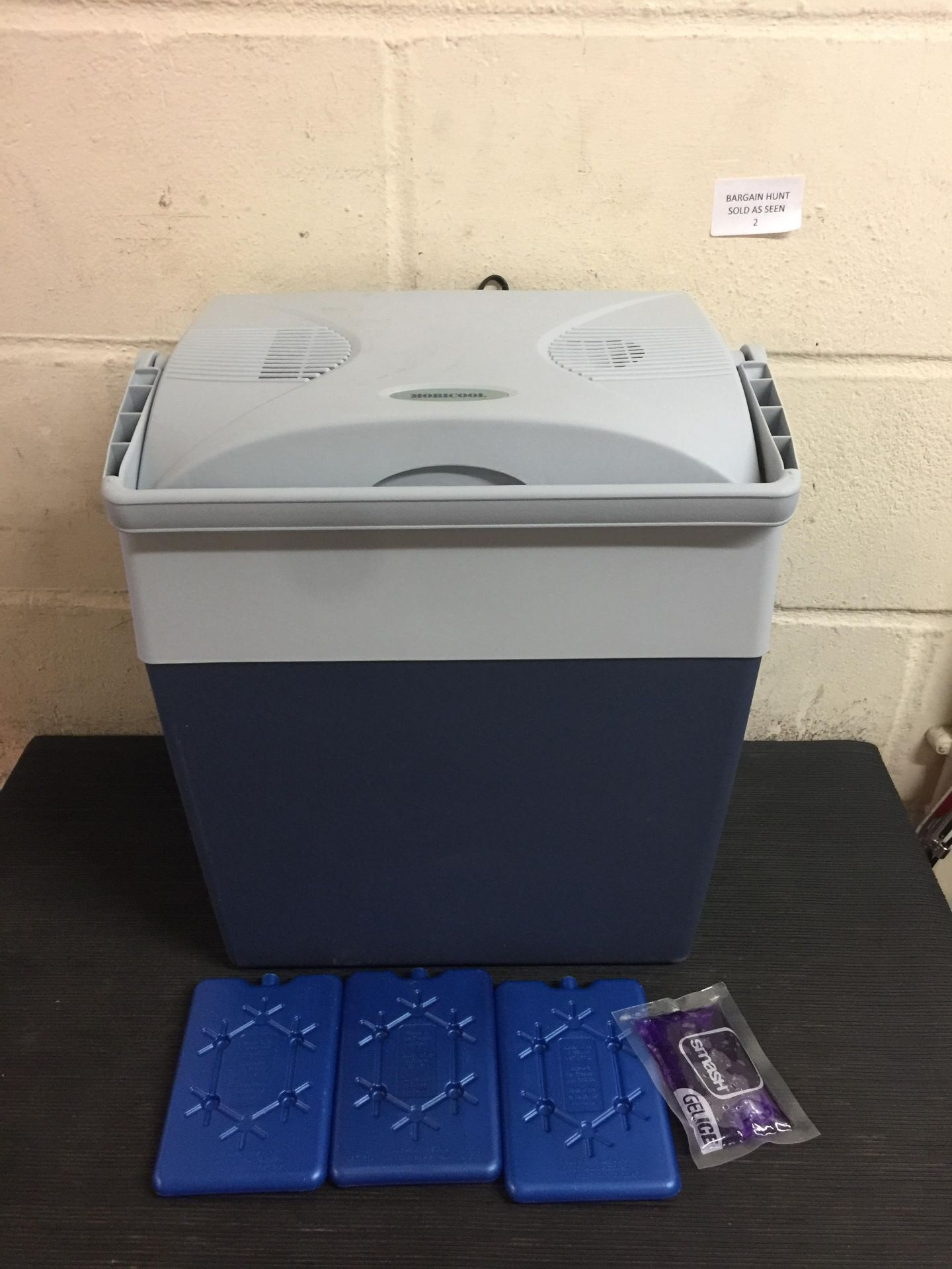 Lot 2 - Dometic Waeco Mobicool Electric Coolbox - Blue RRP £85
