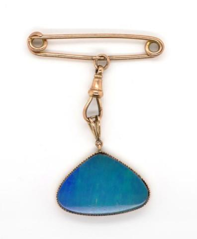 Lot 13 - Opal triplet and 9ct rose gold fob brooch
