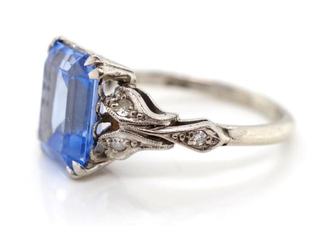 Lot 36 - WITHDRAWN, platinum and white gold ring
