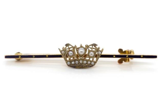 Lot 22 - 9ct Yellow gold Naval crown brooch
