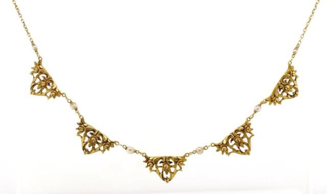 Lot 5 - Antique French 18ct yellow gold necklace
