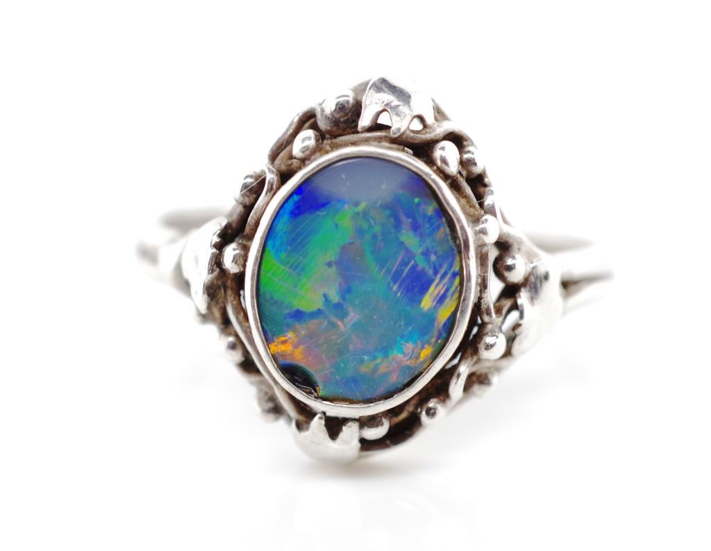 Lot 29 - Australian Art & Crafts opal doublet ring