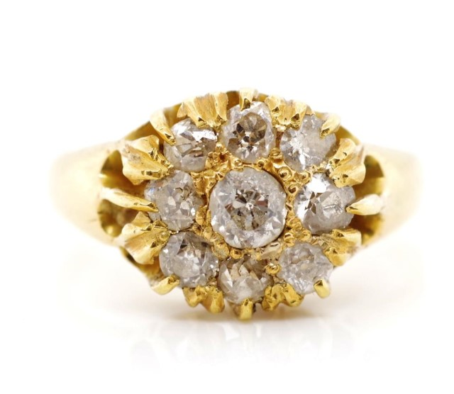 Lot 28 - Victorian diamond and 18ct yellow gold ring