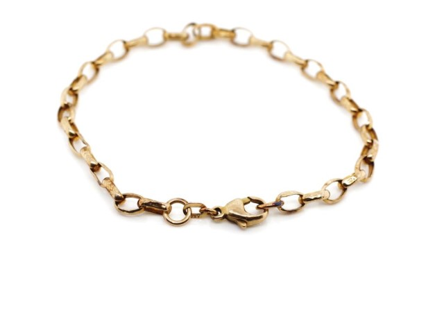 Lot 14 - 9ct rose gold oval belcher chain bracelet