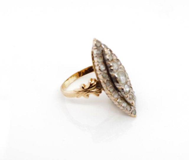 Lot 36 - Antique old cut diamond and rose gold navette ring