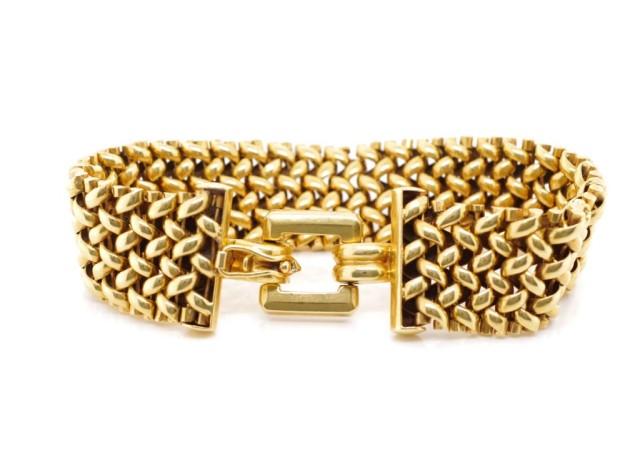 Lot 16 - Mid century Swedish 18ct yellow gold bracelet