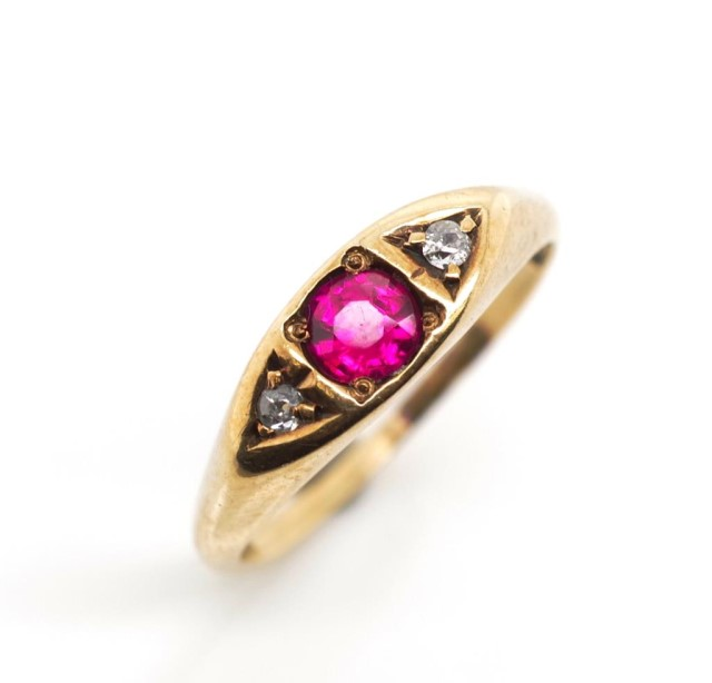 Lot 29 - Antique diamond and 10ct rose gold ring
