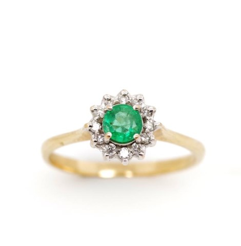 Lot 33 - Emerald and diamond set 9ct yellow gold daisy ring