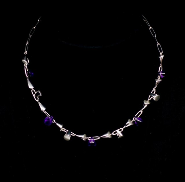 Lot 48 - Amethyst and 18ct white gold necklace