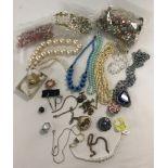 A quantity of vintage & retro jewellery.