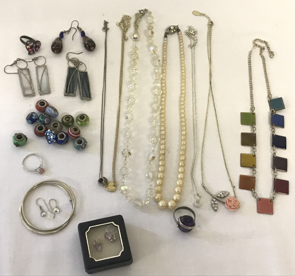 Lot 112 - A collection of vintage and modern costume and silver jewellery.