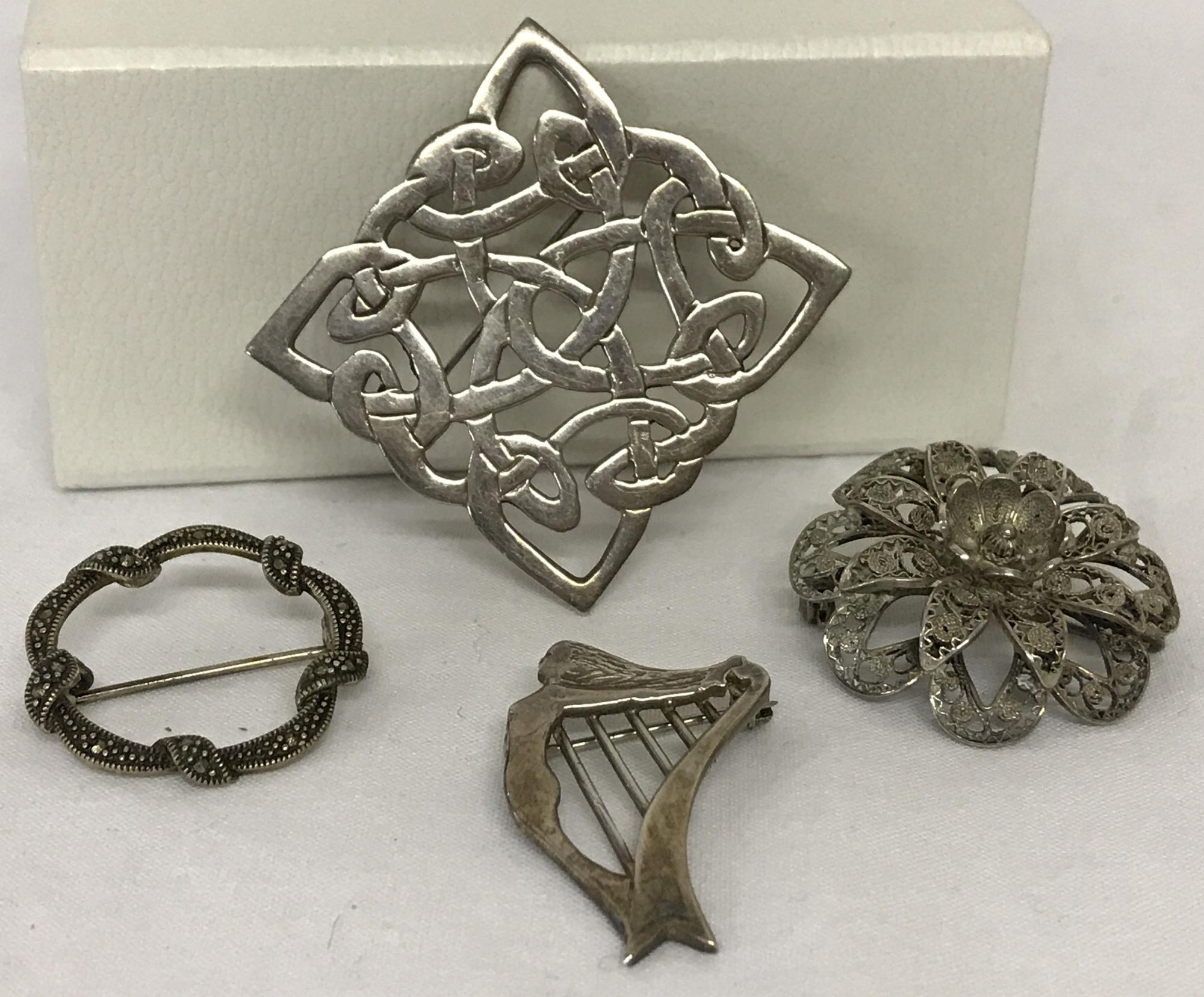 Lot 34 - A large silver Celtic knot brooch hallmarked London 1995.