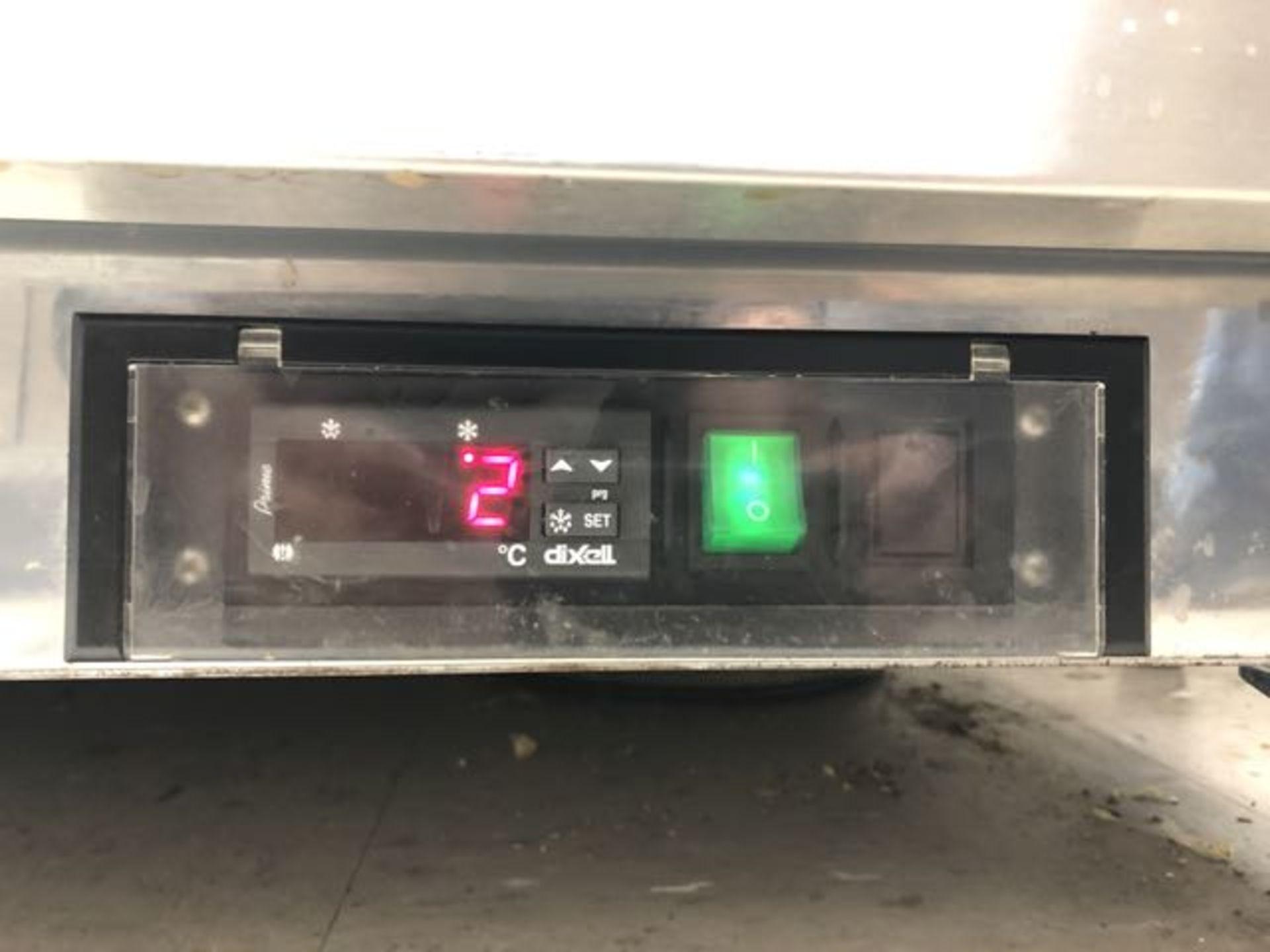 """Table de préparation réfrigérée, compresseur intégré, 2 portes MKE # IMK SR 61"""" - Image 3 of 4"""