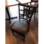 (6) Chaises Bistro, bois cuir varié - différente que les autres