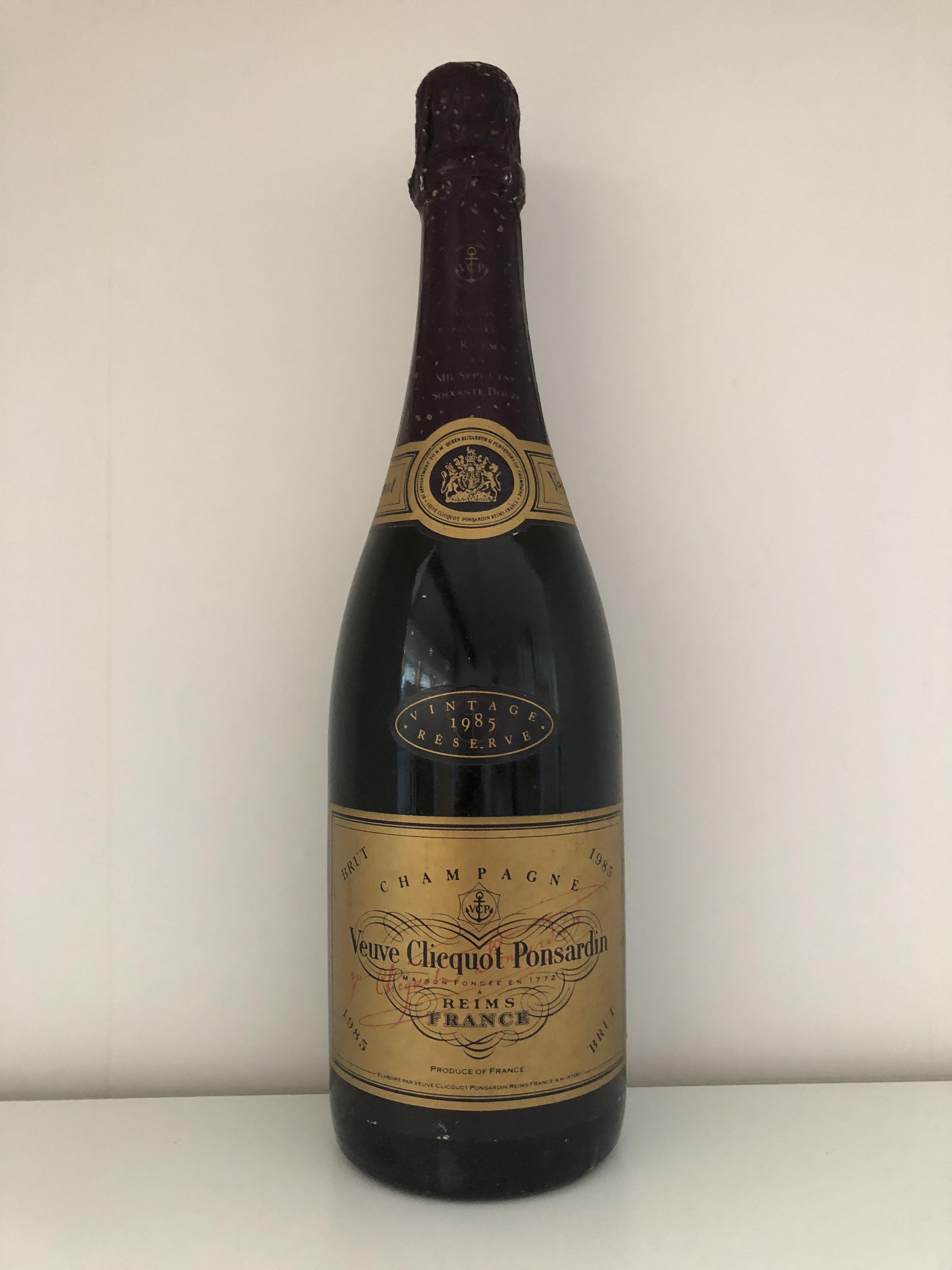 Lot 35 - 1985 Veuve Clicquot Vintage Reserve, Champagne, France, 1 bottle