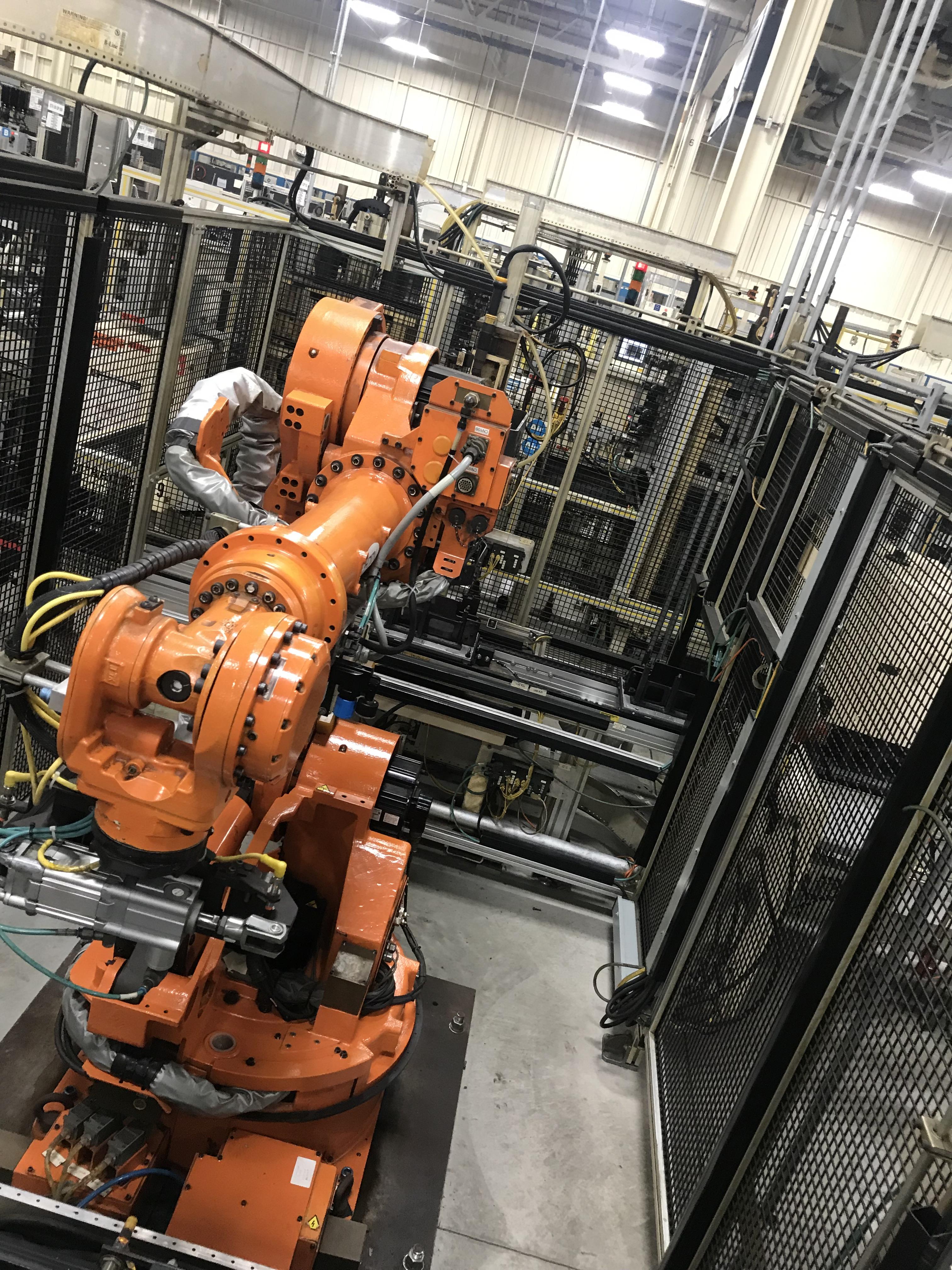 Lot 153 - 2002 Nachi SH-133-01 Robot