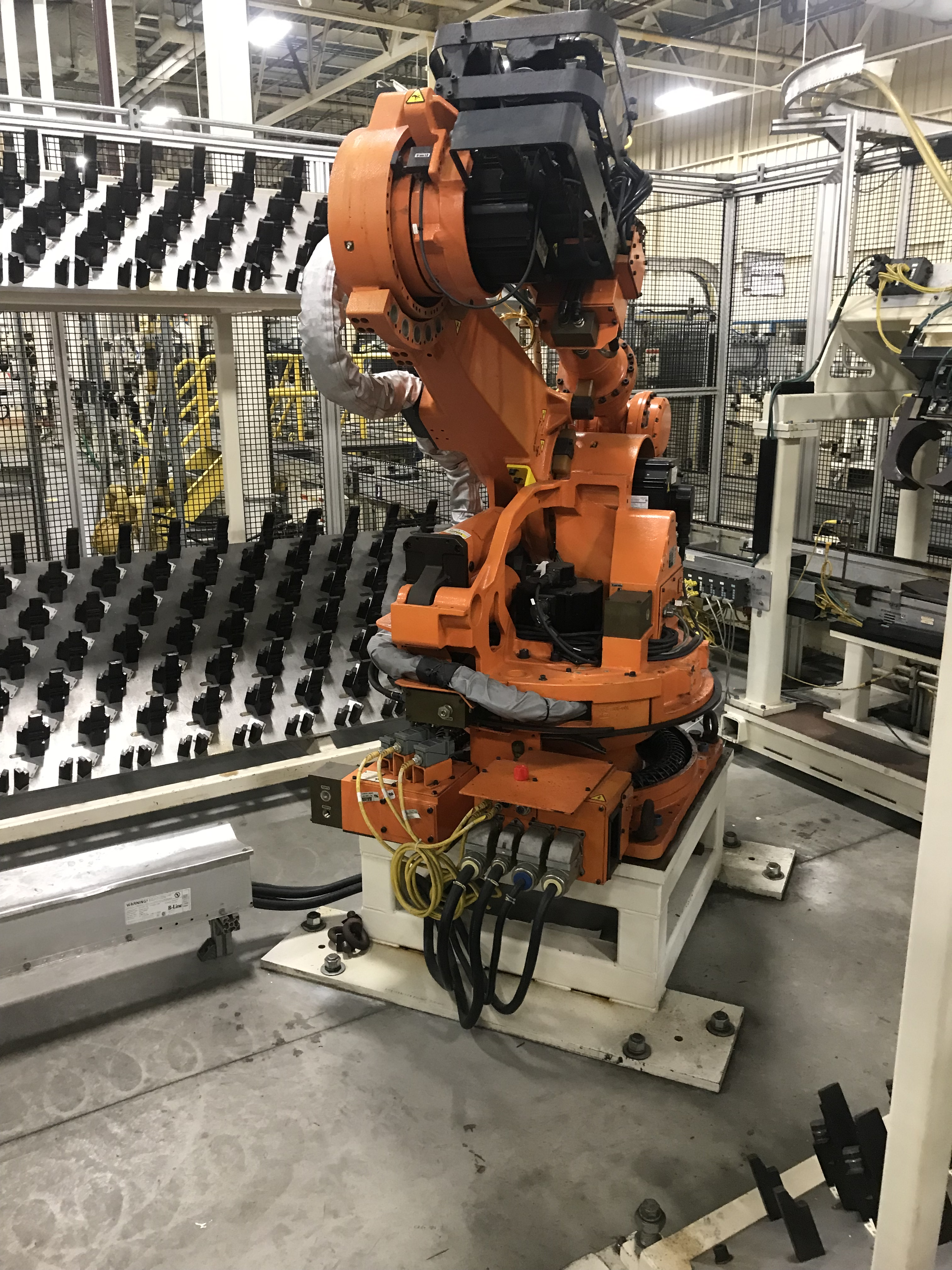 Lot 150 - 2002 Nachi SH-133-01 Robot