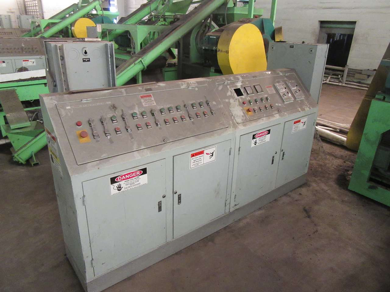 Lot 28 - 2014 Jiangyin Jinall International Trade Co. Control Panel
