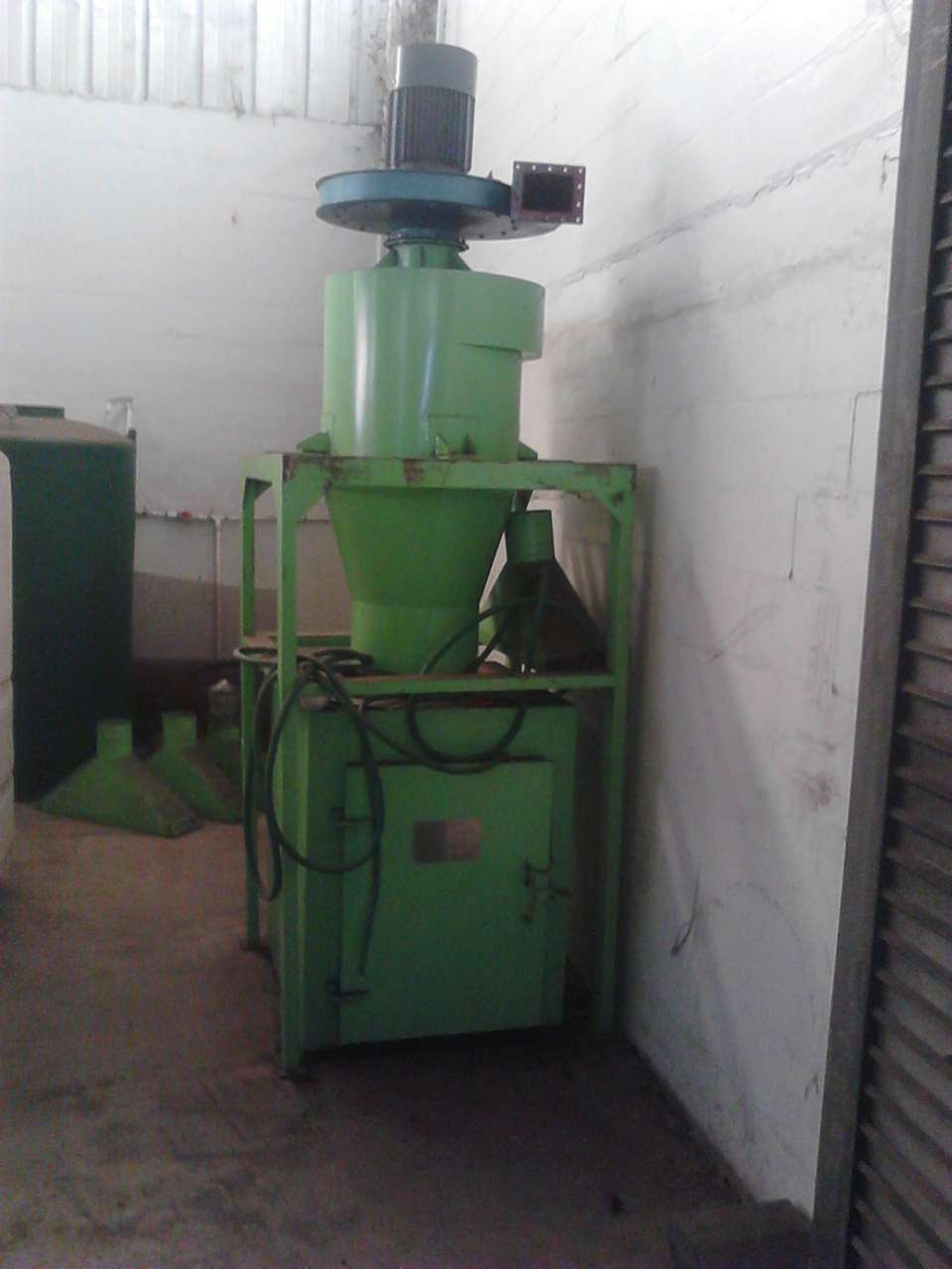 Lot 6 - Jiangyin Jinall International Trade Co. Hopper with Motor
