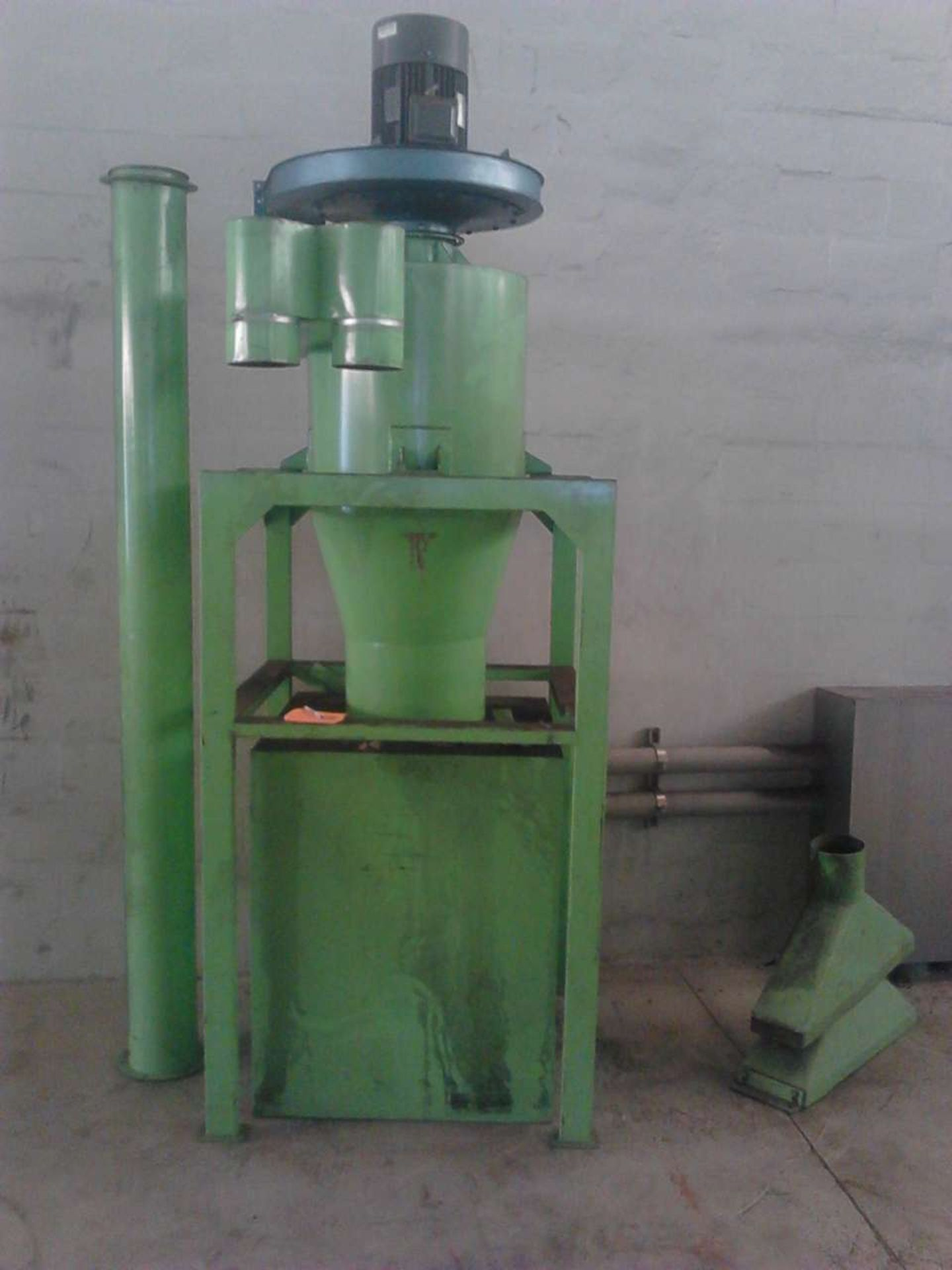Lot 2 - Jiangyin Jinall International Trade Co. Hopper with Motor