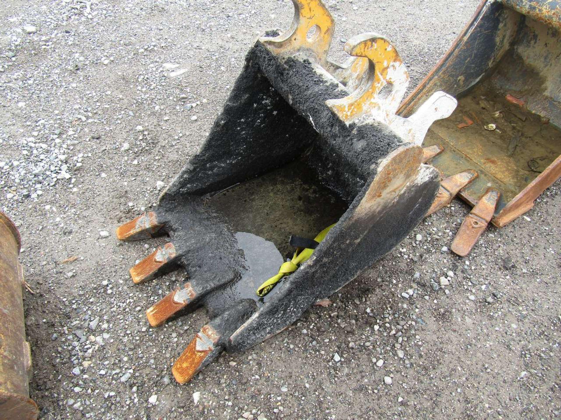 Lot 571 - Excavator Bucket