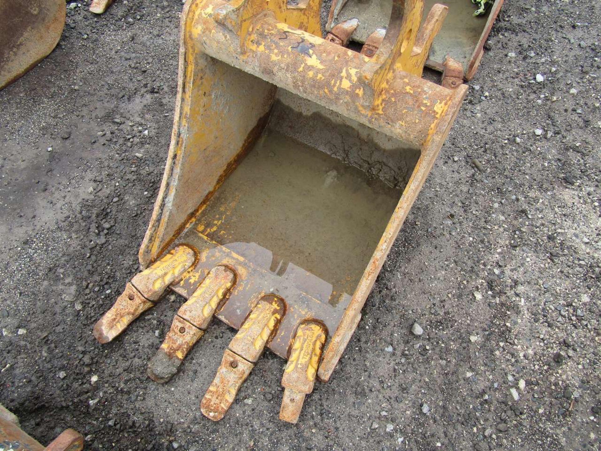 Lot 532 - Excavator Bucket