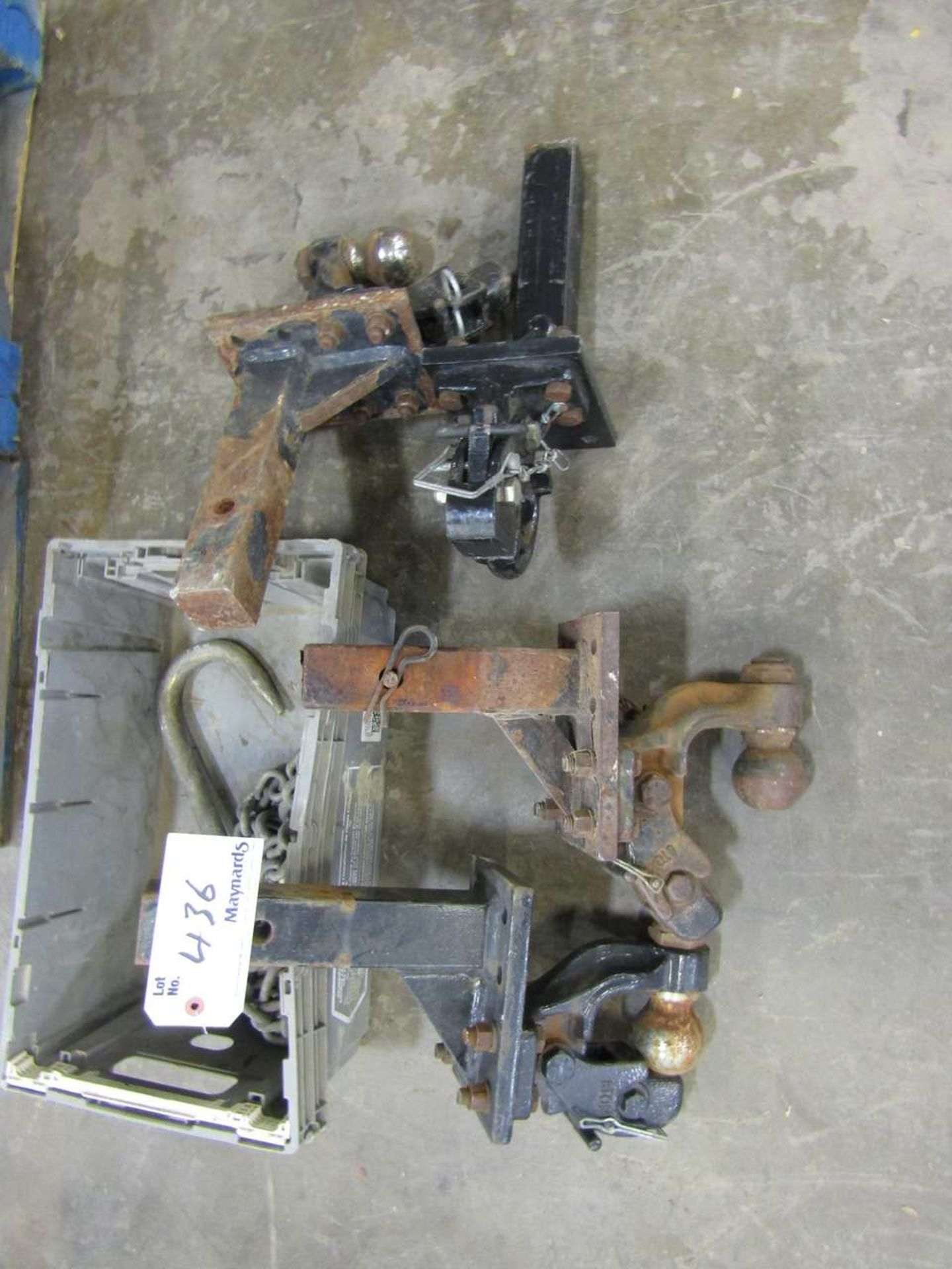 Lot 436 - Trailer Hitches
