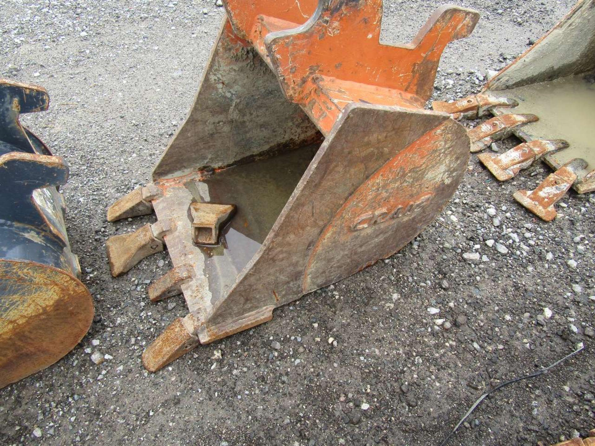 Lot 573 - Excavator Bucket