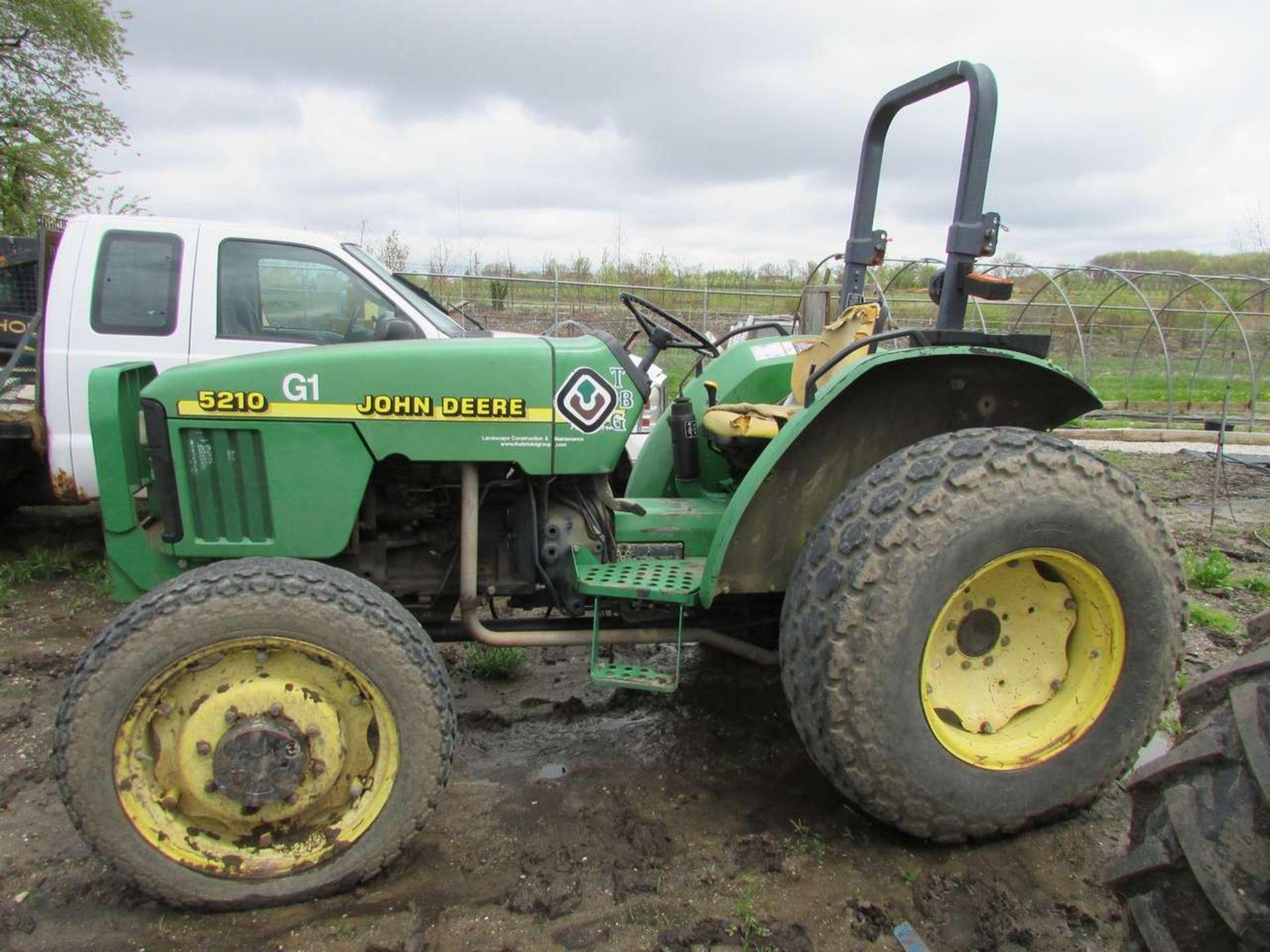 Lot 54 - 2000 John Deere 5210 Tractor